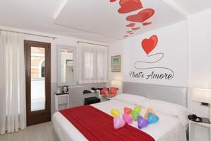 Hotel Ala  | Venice | It' s time to love...