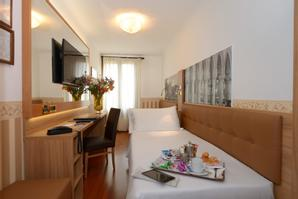 Hotel Ala  | Venice | Viaggiatore single...