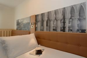 Hotel Ala  | Venice | 100% no-smoking...